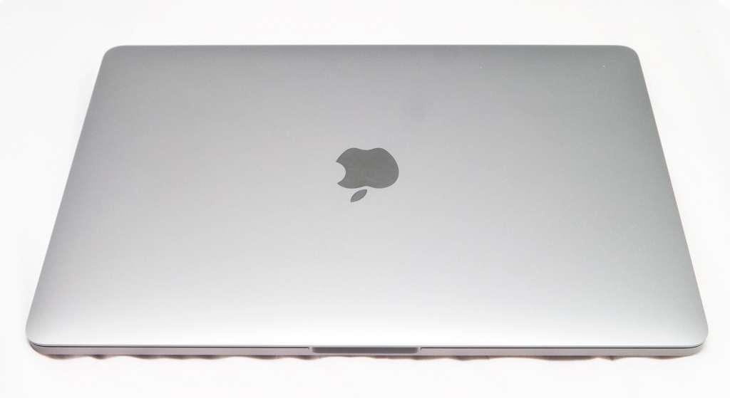 apple-macbook-pro-touchbar-review-2016-01