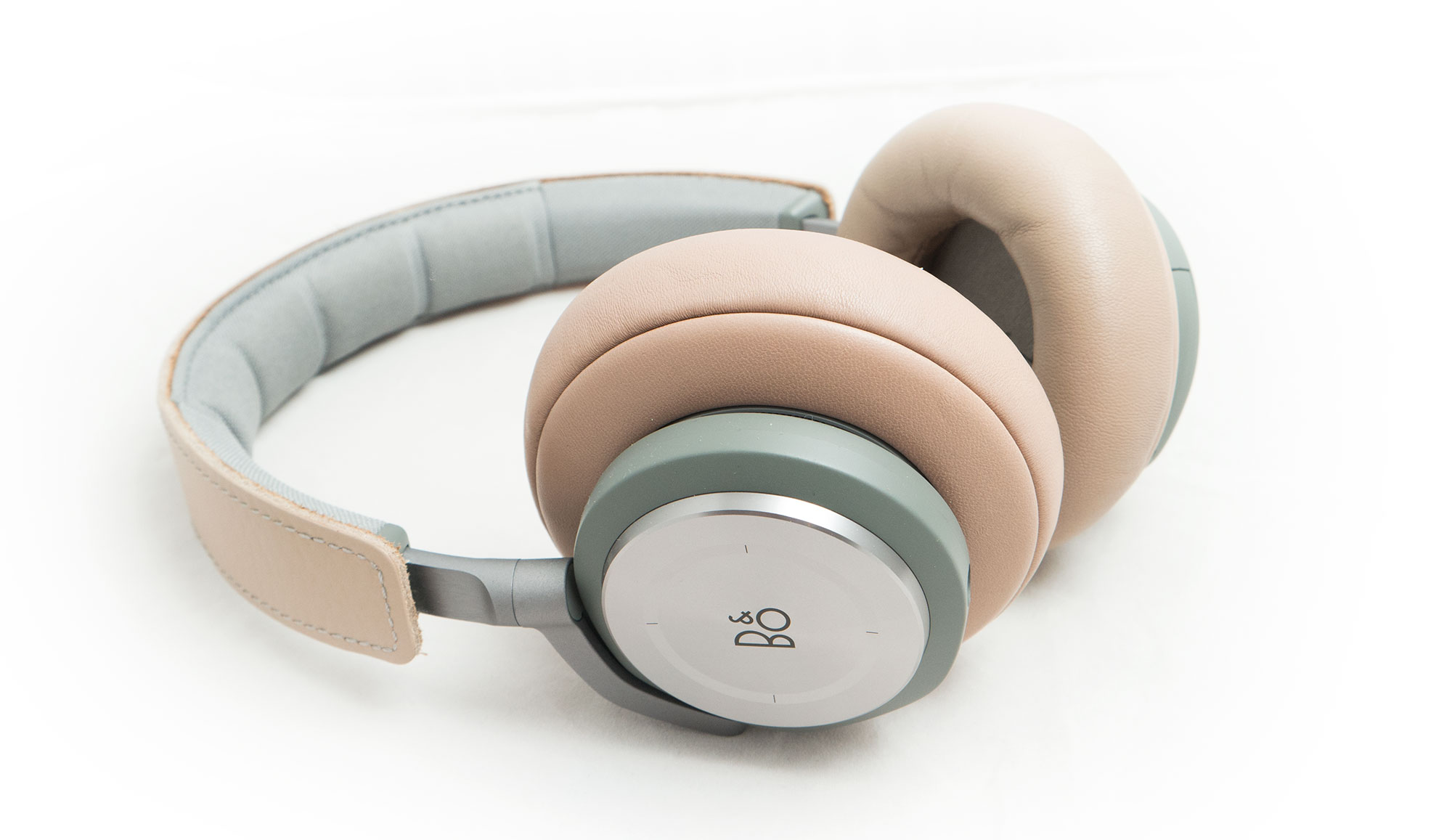 bang olufsen beoplay h9 wireless noise cancellation. Black Bedroom Furniture Sets. Home Design Ideas
